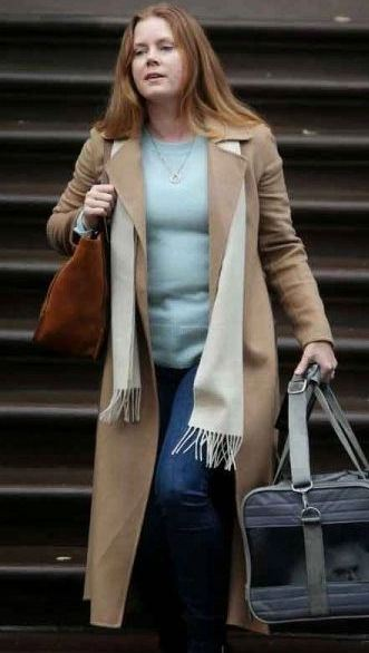 Amy-Adams-The-Woman-In-The-Window-Anna-Fox-Brown-Trench-Coat