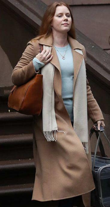 Anna-Fox-The-Woman-In-The-WindowAmy-Adams-Coat